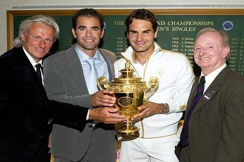 """Federer """"vượt mặt"""" tiền bối Rod Laver - 1"""