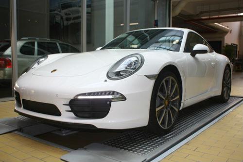 Mê mẩn xe thể thao mới của Porsche tại Việt Nam - 1