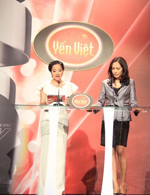 Vợ chồng Phan Đinh Tùng ngọt ngào trên sân khấu - 14