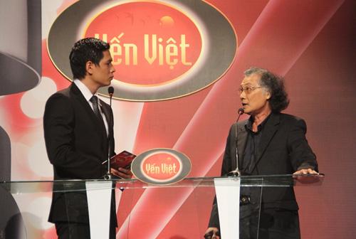 Vợ chồng Phan Đinh Tùng ngọt ngào trên sân khấu - 12