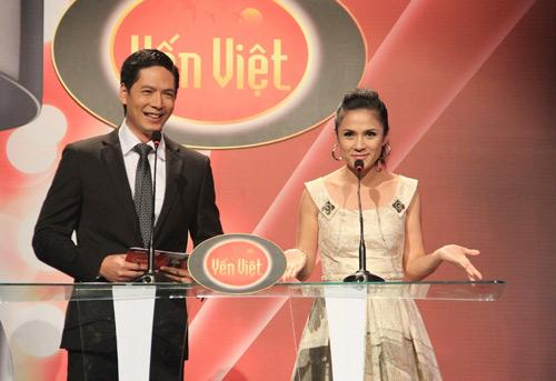 Vợ chồng Phan Đinh Tùng ngọt ngào trên sân khấu - 2