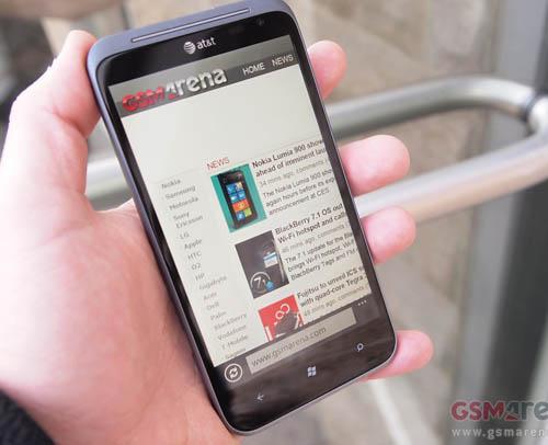 HTC Titan II và Lumia 900 lên kệ ngày 8/4 - 1