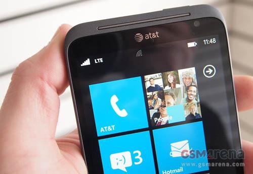 HTC Titan II và Lumia 900 lên kệ ngày 8/4 - 2