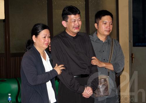 DJ Hoàng Anh chết lặng tiễn vợ lần cuối - 6