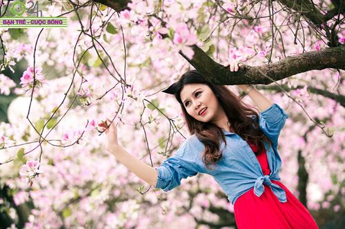Thiếu nữ khoe sắc bên hoa ban - 11