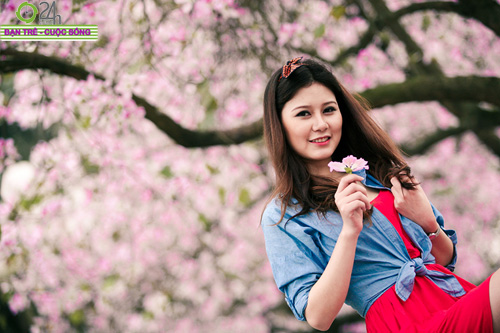 Thiếu nữ khoe sắc bên hoa ban - 14