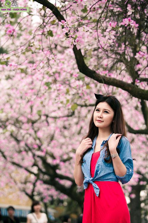Thiếu nữ khoe sắc bên hoa ban - 18