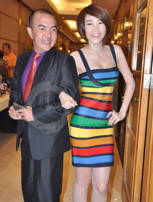 Ngân Khánh, Hoàng Điệp sexy táo bạo - 3