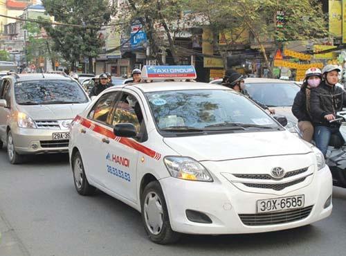 HN: Thêm nhiều phố cấm taxi giờ cao điểm - 1