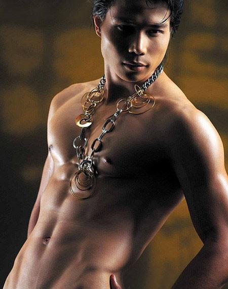 Khuôn ngực vạm vỡ của sao nam Việt - 8