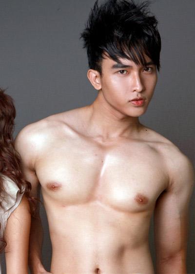 Khuôn ngực vạm vỡ của sao nam Việt - 17