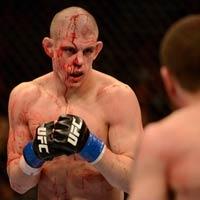 UFC 155, Miller - Lauzon: Võ đài đẫm máu