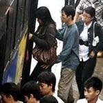 Tin tức trong ngày - Lực lượng 142 mật phục bắt cò mồi, móc túi