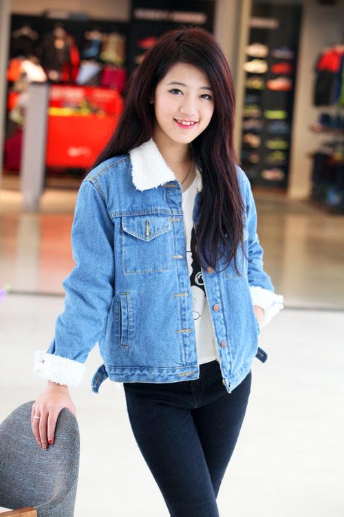Mặc áo khoác jean sành điệu ngày lạnh - 3