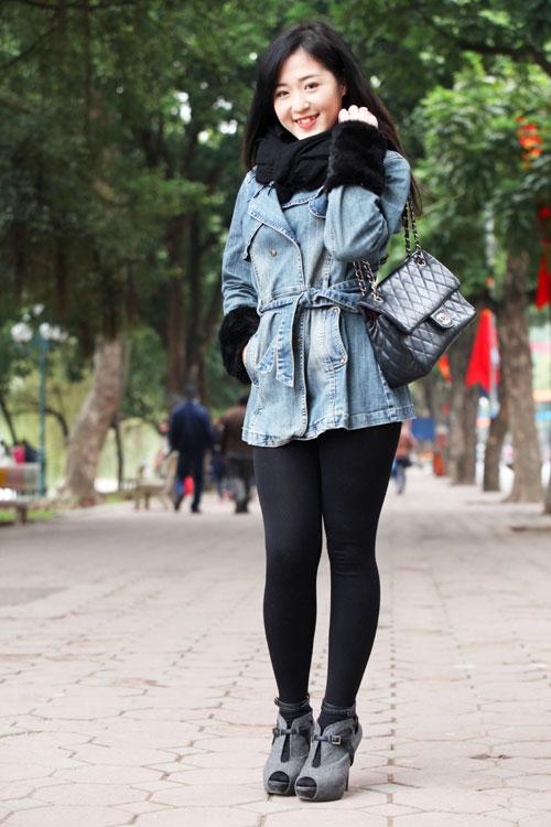 Mặc áo khoác jean sành điệu ngày lạnh - 4
