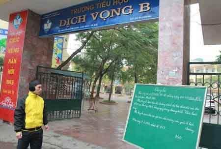 Hàng ngàn HS Hà Nội nghỉ học vì rét - 4