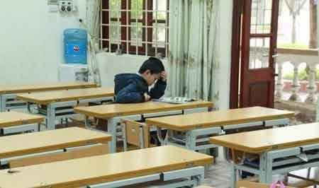 Hàng ngàn HS Hà Nội nghỉ học vì rét - 7