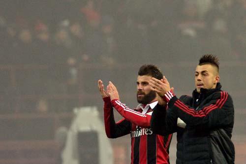 AC Milan – Siena: Tìm quà đầu năm - 1