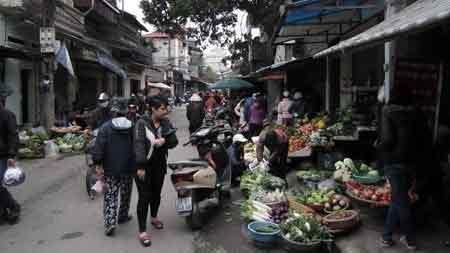 """Những """"chợ quê"""" kỳ quặc giữa đất Thủ đô - 2"""
