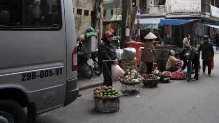 """Những """"chợ quê"""" kỳ quặc giữa đất Thủ đô - 5"""