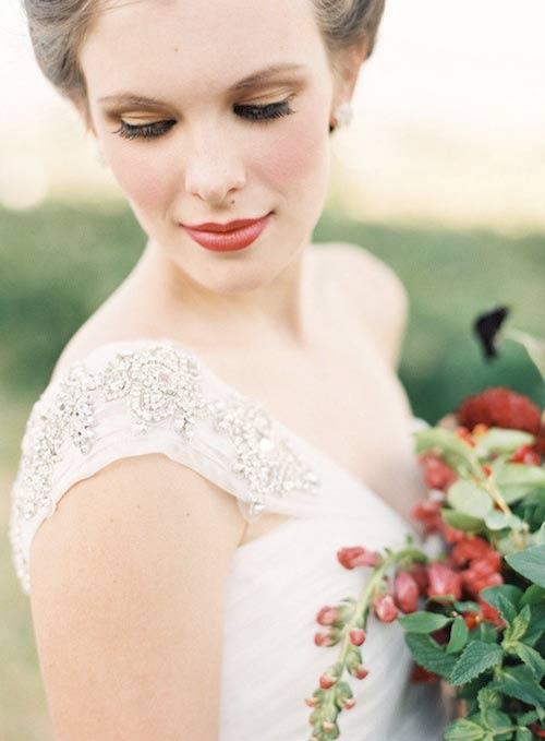 Bí quyết trang điểm ngày đông cho cô dâu - 2