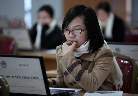 Hơn 300 thí sinh thi trực tuyến vào Bộ Nội vụ - 1