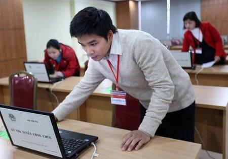 Hơn 300 thí sinh thi trực tuyến vào Bộ Nội vụ - 10
