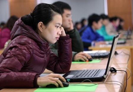 Hơn 300 thí sinh thi trực tuyến vào Bộ Nội vụ - 5