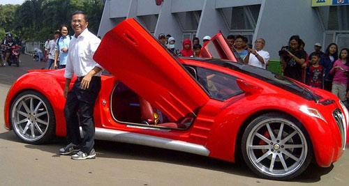 Bộ trưởng Indonesia phá nát xế điện - 2