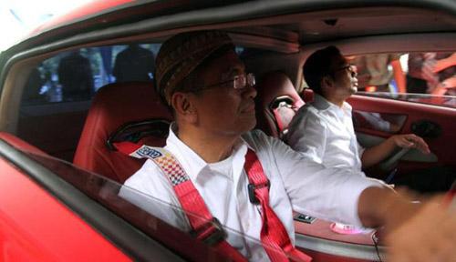 Bộ trưởng Indonesia phá nát xế điện - 4