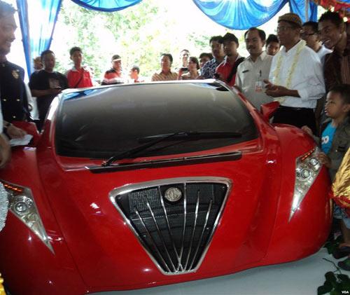 Bộ trưởng Indonesia phá nát xế điện - 5