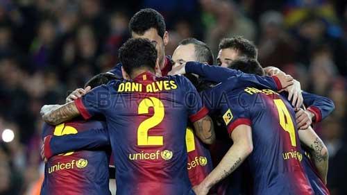 Liga sau V18: Barca độc bước, Real vượt khó - 2