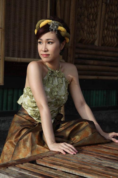 Hà Tăng, Uyên Linh gây sốt - 7