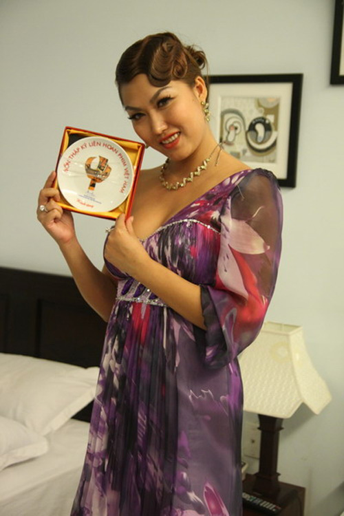 Lùm xùm các giải thưởng của showbiz Việt - 6