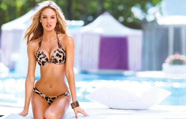 Trong bộ ảnh này, cô diện nhiều mẫu bikini vô cùng bắt mắt