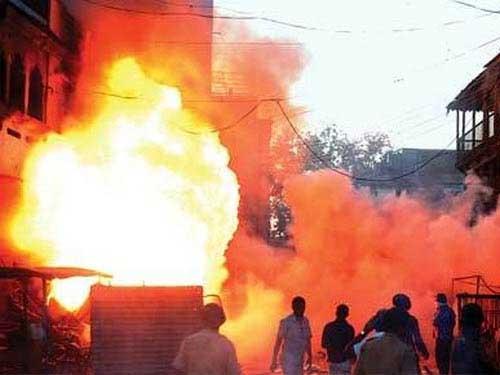 Bạo loạn ở Ấn Độ: 200 người bị thương - 1