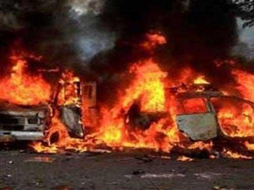Bạo loạn ở Ấn Độ: 200 người bị thương - 3