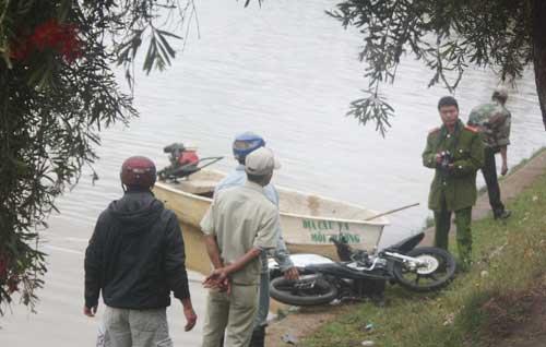 Đà Lạt: Lao xe xuống hồ, 1 người chết - 1