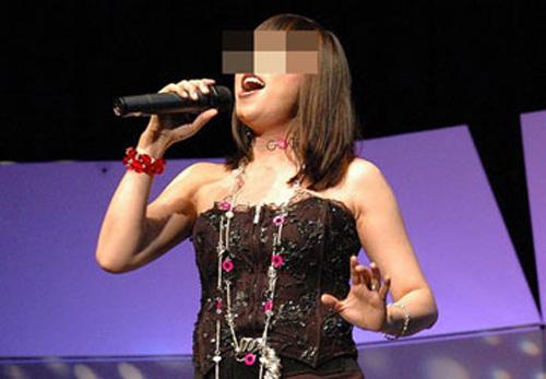 Góc khuất của những ca sỹ hạng 3 - 2