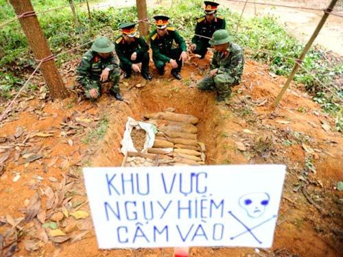 Chùm ảnh: Những người lính rà phá bom mìn - 7