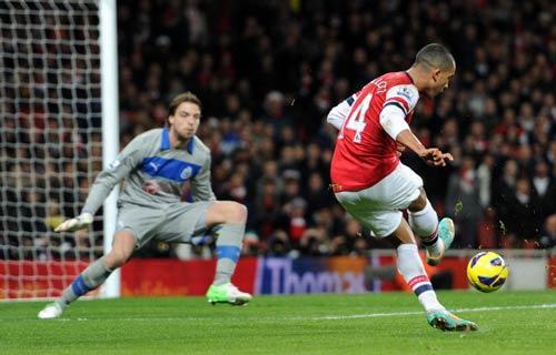 Walcott ở lại Arsenal: Đôi chân biết nói? - 1