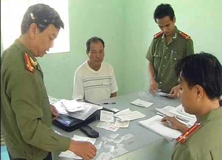 Chuyện chưa kể về vụ án làm bằng giả lớn nhất Đà Nẵng - 1