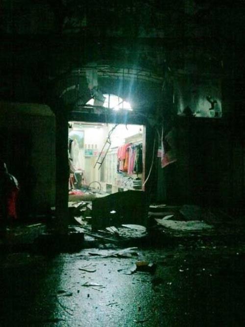 Vụ nổ mìn ở HN: 2 cháu bé thoát chết trong gang tấc - 1