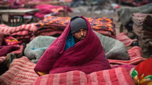 Ấn Độ: Hơn 170 người chết rét - 1