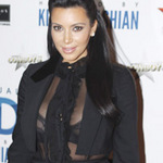 Thời trang - Kim Kardashian khoe ngực lấp lửng!