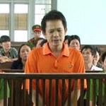 An ninh Xã hội - Bác sĩ đánh chết vợ lãnh án 20 năm tù