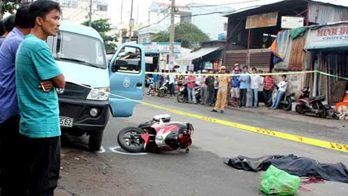Mở cửa xe gây tai nạn: Có dấu hiệu hình sự? - 1