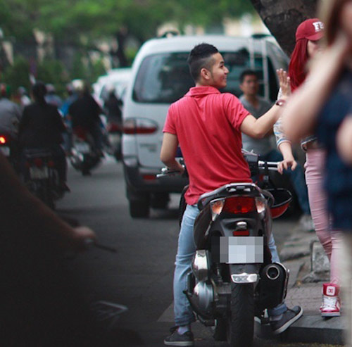 Hương Giang Idol và bạn trai đi mua sắm - 3