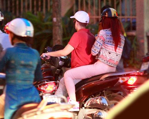 Hương Giang Idol và bạn trai đi mua sắm - 5