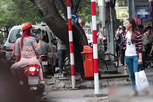 Hương Giang Idol và bạn trai đi mua sắm - 6